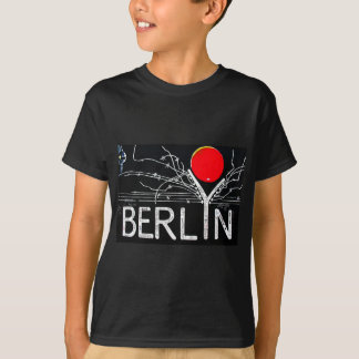 East Side Gallery, Berlin Wall, Barbed Wire/Red Su T-shirts