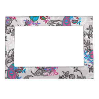 Ecru white traditional paisley floral pattern magnetic photo frame