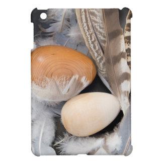 Eggs & feathers case for the iPad mini