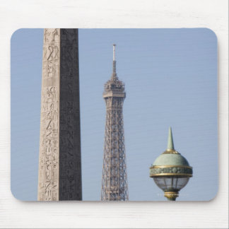 Egyptian Obelisk and lamp in Place de la Mouse Pad