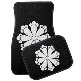 Eight cloves floor mat