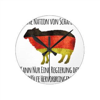 Eine Nation von Schafen kann nur eine Regierung .. Round Wall Clock