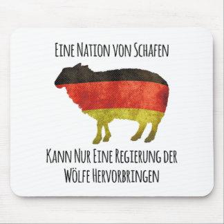 Eine Nation von Schafen kann nur eine Regierung .. Mouse Pads
