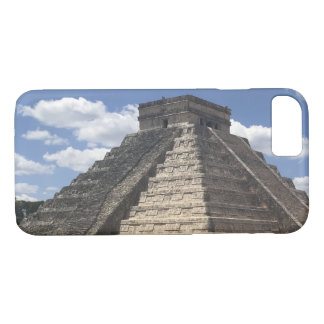El Castillo, Chichen Itza, Mexico iPhone 7 Case
