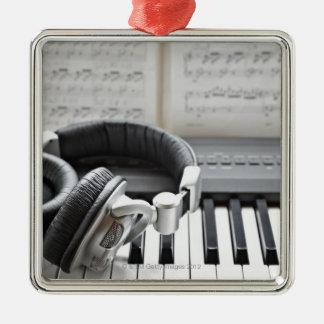 Electric Piano Keyboard Metal Ornament
