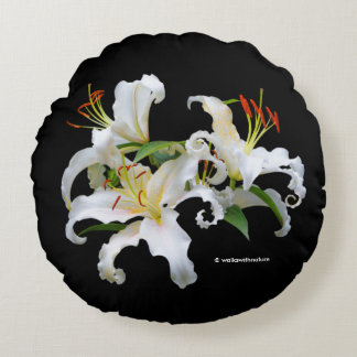 Elegant Casablanca White Oriental Lilies Round Cushion