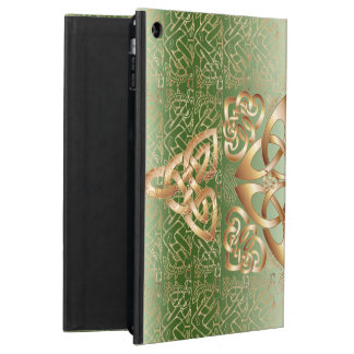 Elegant Celtic Knot on green iPad Air Cover