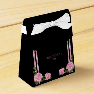 Elegant Chic Corner Rose Bouquet Wedding Favour Box