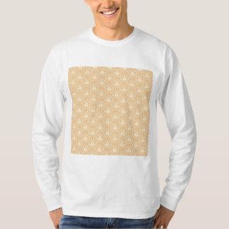 Elegant damask pattern. Beige and cream. T-Shirt