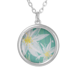 Elegant Flower Necklace