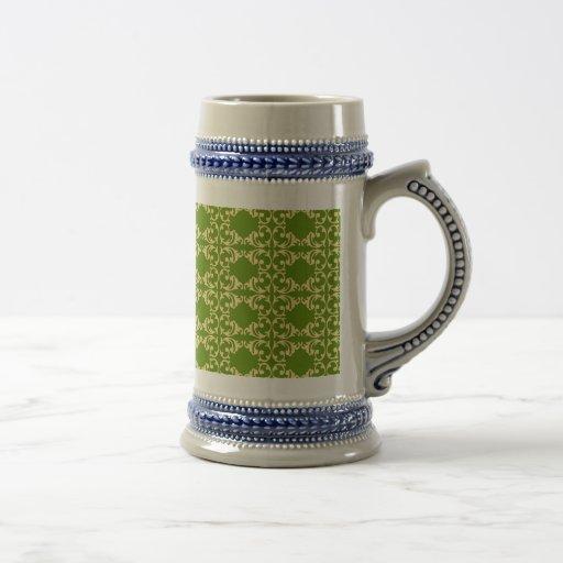 Elegant Green and Cream Damask Swirls Pattern Mug