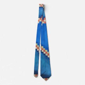 Elegant Lattices Tie