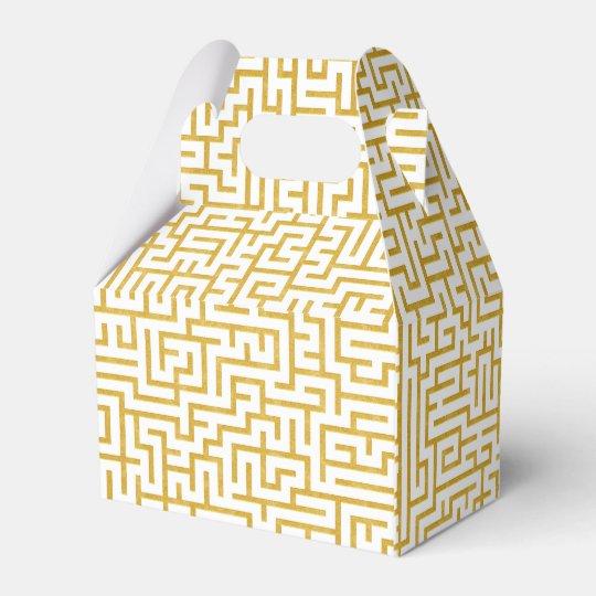 Elegant Maze Modern Art - Gold & White Favour Box