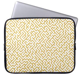 Elegant Maze Modern Art - Gold & White Laptop Sleeve