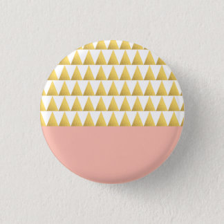 elegant pastel peach, faux gold triangles pattern 3 cm round badge