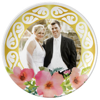 Elegant round picture frame plate