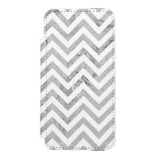 Elegant Silver Foil Zigzag Stripes Chevron Pattern Incipio Watson™ iPhone 5 Wallet Case