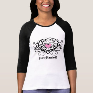 Elegant swirls and hearts just married T-Shirt