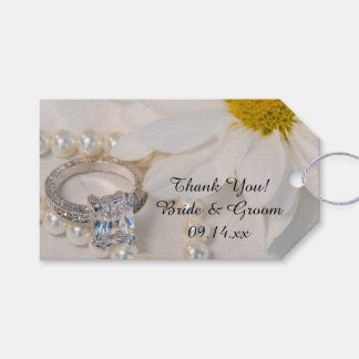 Elegant White Daisy Wedding Favor Tags