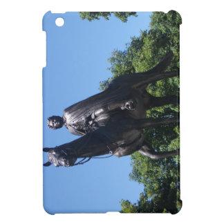 Elizabeth II Statue, Montreal City iPad Mini Case