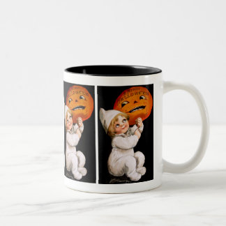 Ellen H. Clapsaddle: Toddler with Pumpkin Two-Tone Mug