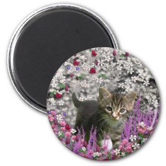 Emma in Flowers I – Little Gray Kitty Cat 6 Cm Round Magnet