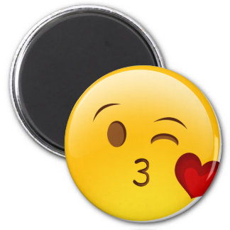 emoji-kiss-face magnet