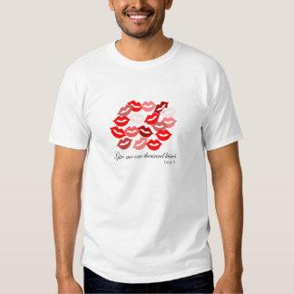 English-Catullus Five: 1,000 kisses T Shirts
