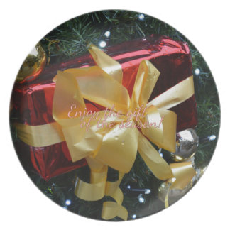 Enjoy the gift of the season! plate