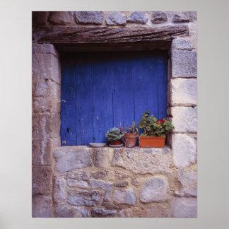 Europe, France, Cereste. A blue door adds color Poster