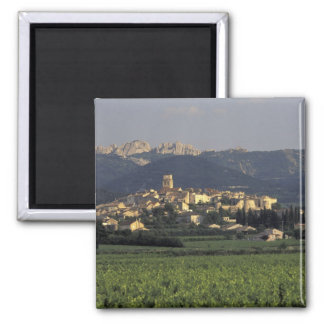 Europe, France, Provence, Vaucluse, SSablet, Square Magnet