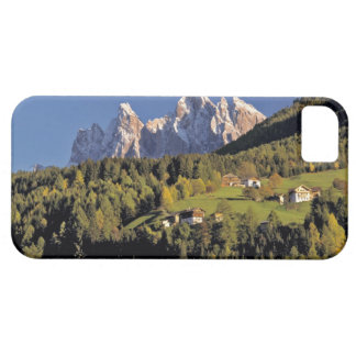 Europe, Italy, San Pietro. The Odle Group seem iPhone 5 Cover