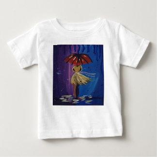 everybody loves the rain baby T-Shirt