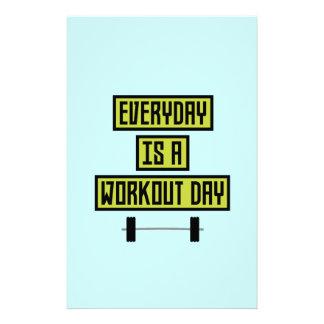 Everyday Workout Day Z81fo 14 Cm X 21.5 Cm Flyer