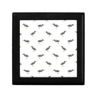Exotic Birds Motif Pattern Gift Box