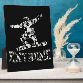 EXTREME SNOWBOARDER IN URBAN CAMO DISPLAY PLAQUE