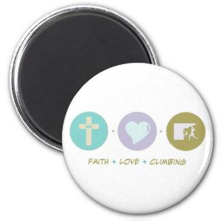 Faith Love Climbing 6 Cm Round Magnet