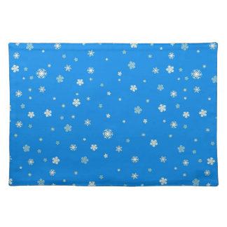 FALLING SNOW (a snowflake design) ~ Place Mats