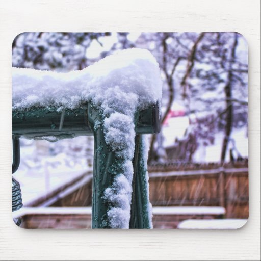 Falling Snow Mouse Pad