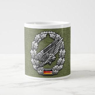Fallschirmjägertruppe Barettabzeichen Jumbo Mug