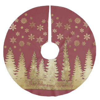 Family Name Holiday Gold and Red Winter Wonderland Brushed Polyester Tree Skirt