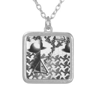 famous black & white draw silver plated necklace