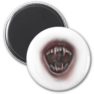 fangs 6 cm round magnet
