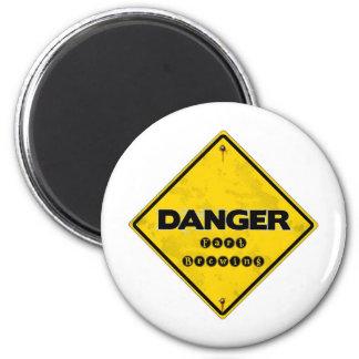 fartbrewing.jpg 6 cm round magnet