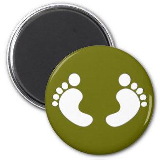 Feet footprints feet footprints 6 cm round magnet