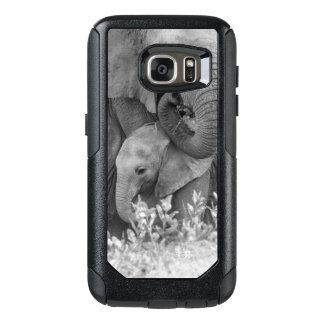 Female Elephant Re-Assuring Two Calves (Samburu) OtterBox Samsung Galaxy S7 Case