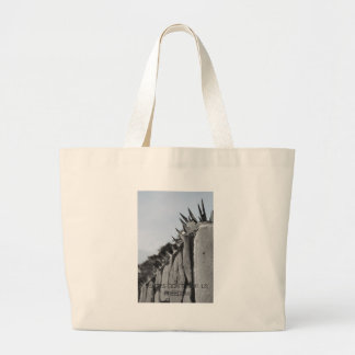 Fences dont give us freedom tote bag