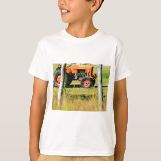 FIAT TRACTOR RURAL QUEENSLAND AUSTRALIA T-Shirt