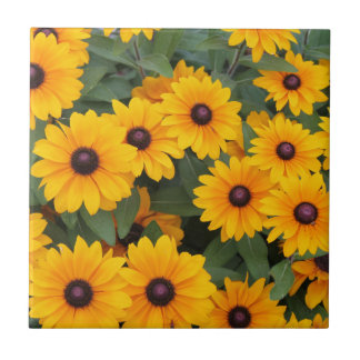 Field of yellow daisies tile