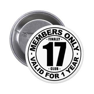 Finally 17 club 6 cm round badge
